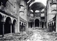 http://lordalton.files.wordpress.com/2013/02/fasanenstrasse-synagogue-in-berlin-after-kristallnacht.jpg