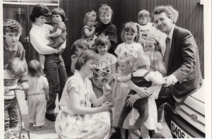1988 with Lizzie and children from Upminster Life Group the day after Alton Bill was talked out-86