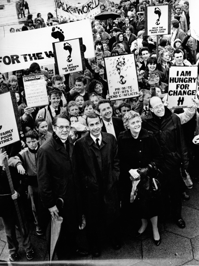 1983 - with Bishop David Shepard, Archbishop Derek Worlock, Frank Field MP, Lynda Chalker MP - Hungry For Change Protest-9001